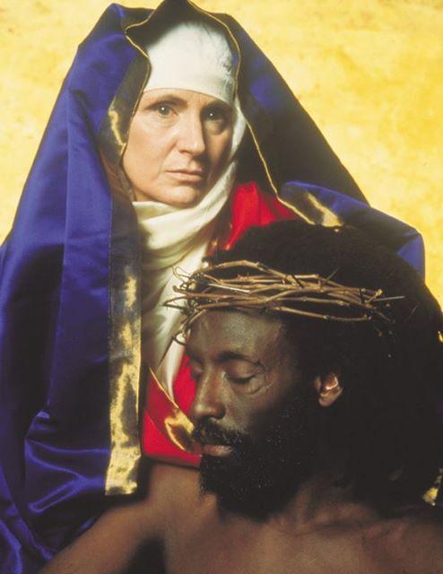 סראנו, ישו שחור
